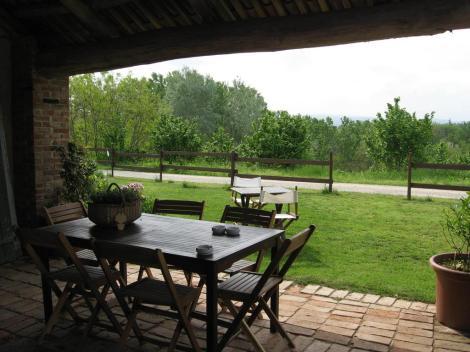 vecchie_fattorie_piemonte_la_tilia_portico