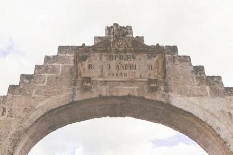 Albergo Diffuso Montescaglioso-Basilicata-Arco ingresso paese