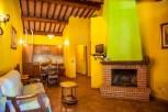 umbria_la_fattoria_appartamento_camino