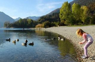 lago di garda per bambini Lago di Ledro-spiaggia di Besta