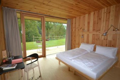 dormire nella natura casariga-trento camera da letto
