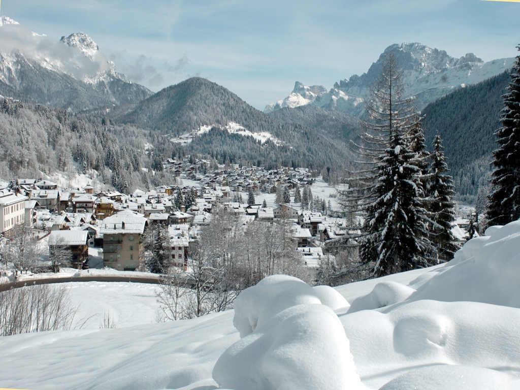 sciare con i bambini passo san pellegrino falcade