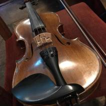 Violin at Smugglers Creek Inn