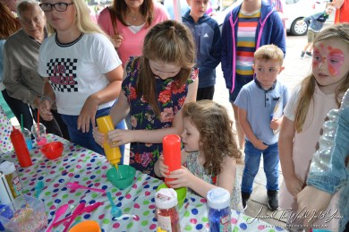 Omagh Food Festival - Glitterbug Slime Making