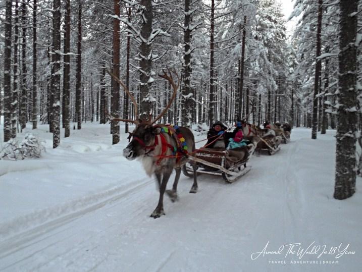 Santa Claus Holiday Village - Reindeer Sleigh Ride