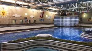 Hotel Westport jacuzzi and pool
