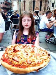 Pizza for one at Le Café in Venice