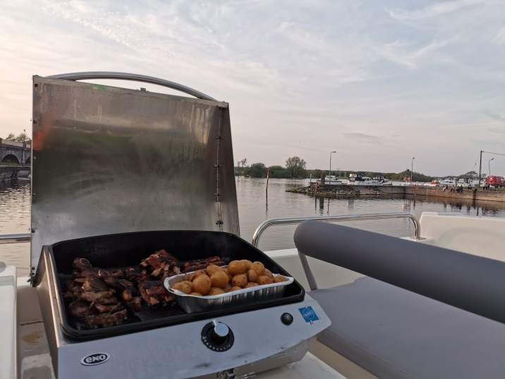 BBQ on Le Boat Horizon 4 on the River Shannon.