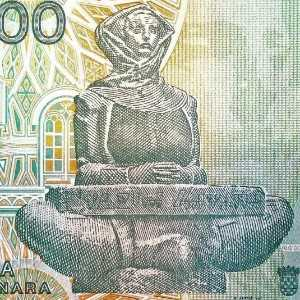 Croatia 100000 Dinar 1993 banknote back (2), featuring sculpture History of Croats by Ivan Mestrovic
