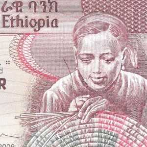 Ethiopia 10 Birr 2006 banknote front (2) featuring a weaver