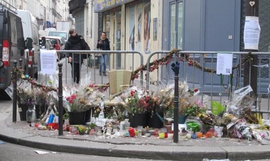 La Casa Nostra, Paris, trrorist attacks, floral tributes