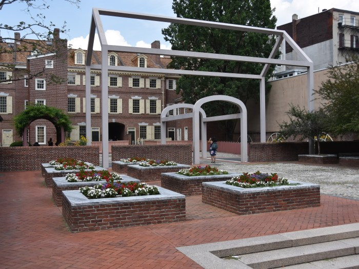 The courtyard of the Benjamin Franklin Museum
