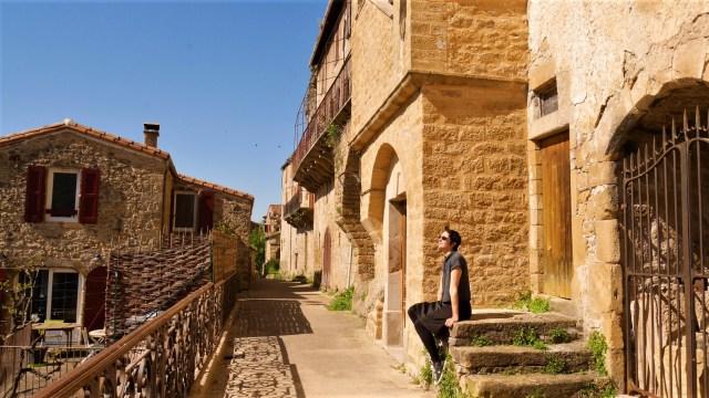 Peyre Millau WAT Aveyron plus beau village france blog voyage arpenter le chemin