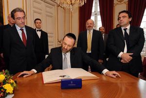 Le grand rabbin de France reçu par le maire de Strasbourg, Roland Ries