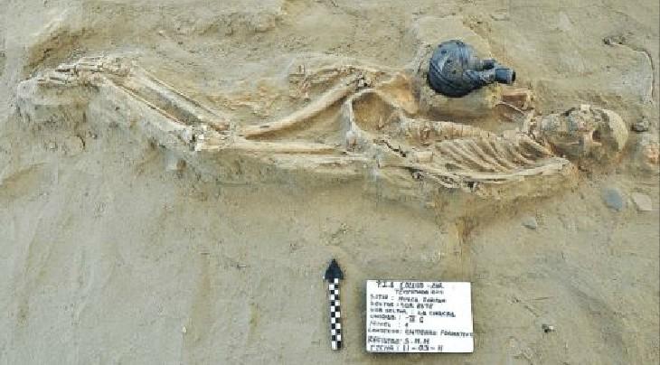 Hallan tres tumbas del 2.500 a.C. con cerámica Chavín en complejo arqueológico Ventarrón-Collud-Zarpán, Lambayeque