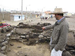 Arqueólogos investigan milenaria aldea de pescadores hallada en distrito trujillano de Huanchaco