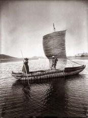 Martin-Chambi-Balseros-en-el-Lago-Titicaca