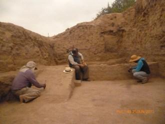 hallan-14-tumbas-lambayeque-alva-1