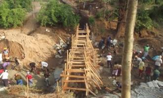 sand-dam-construction-kenya