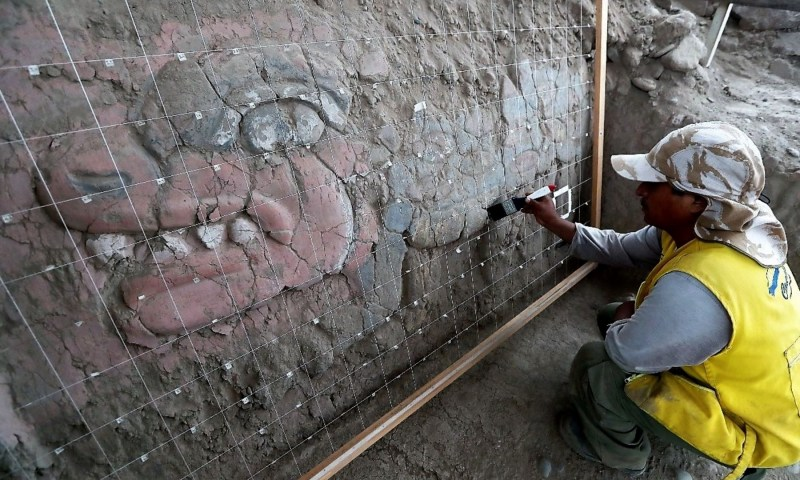 Chavin de Huantar-like friezes found at Lima's Huaca Garagay