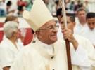 Mensajes del Arzobispo: BENDECID, OH SEÑOR, LOS CURITAS AMÉN. BENDECID OH SEÑOR AL OBISPO TAMBIÉN.