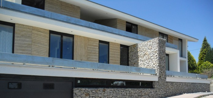 beluso-casa-arquitectos-gaviones-piedra-hormigon-bueu