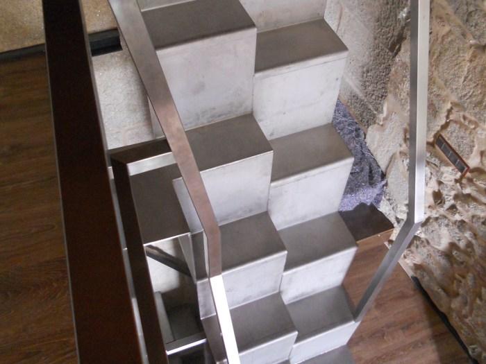 porto-combarro-arquitecto-rehabilitacion-escalera-plegada-inox-chapa
