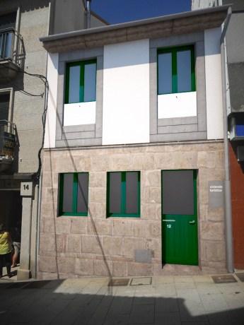fachada-4-moderna-hormigon-madera-porto-marin-arquitecto-arquitectos-vigo