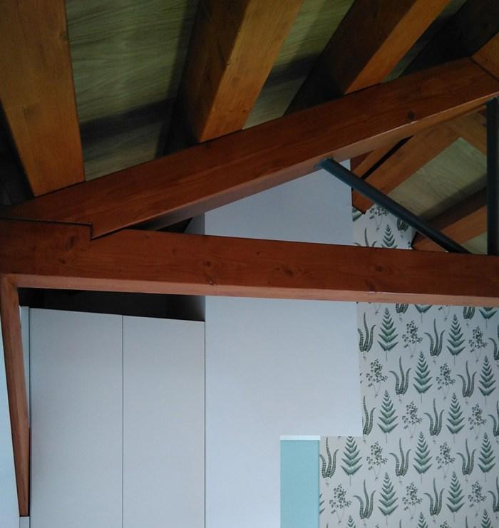 arquitecto-vivienda-marin-campana-claraboya-piso-inferior-cercha-madera-tornapuntas-acero-curras