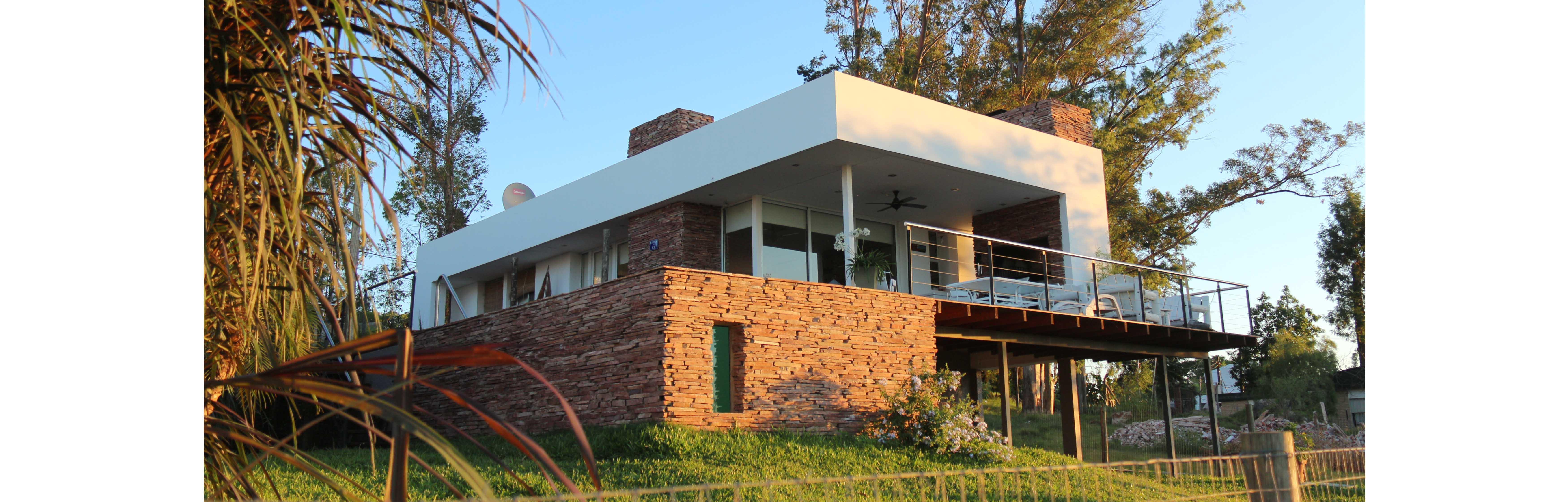 Casa en Arenitas Blancas / Estudio AV