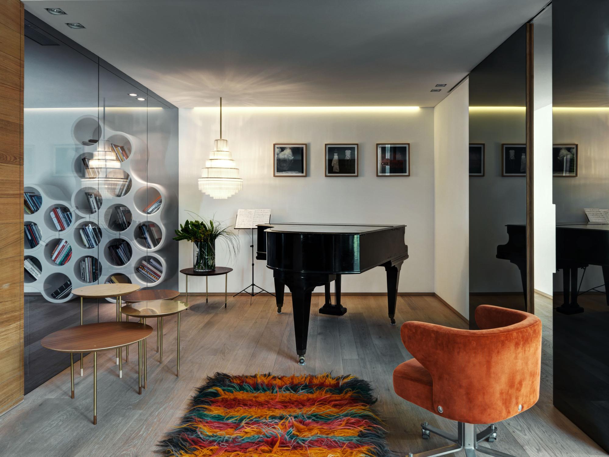 Urbanización de lujo con una fachada hecha de cubos de cristal 8