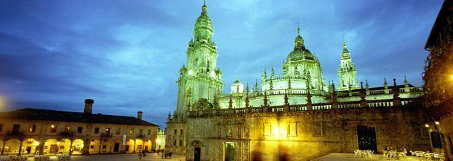 Plaza de Quintana con la Catedral al fondo/ Imagen cedida por la oficina de turismo de Santiago de Compostela