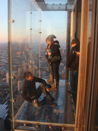 640px-Willis_Tower_glass_box