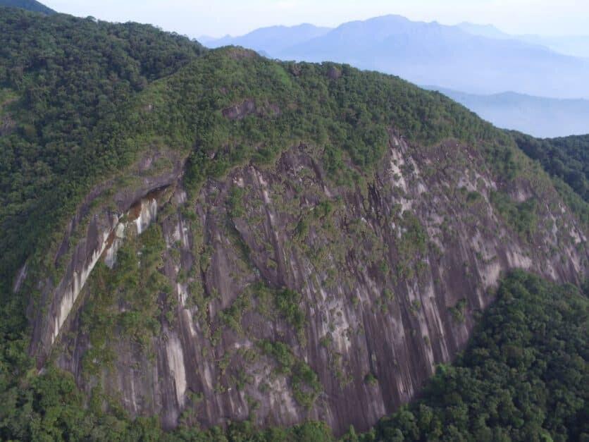 Conheça algumas das trilhas e morros com vistas deslumbrantes no litoral 9