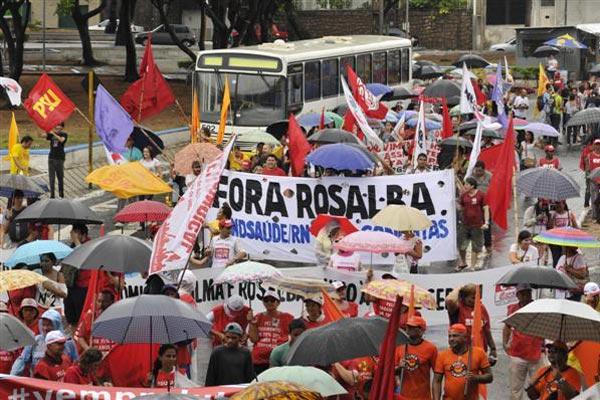 Centrais sindicais realizaram mobilização nesta sexta-feira