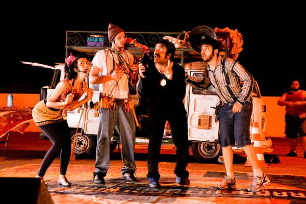 A Trupe do Sol vive um dilema: Encantar ou abandonar o palco