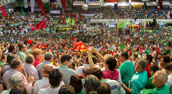 Convenção que homologou nomes de Henrique e Wilma reuniu cerca de 13 mil pessoas no Ginásio Nélio Dias, na sexta-feira