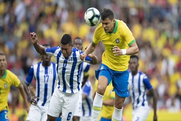 O zagueiro Thiago Silva também marcou durante a goleada