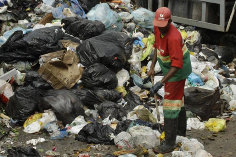 Lixo de Cidade Nova deve ser retirado nos próximos 10 dias