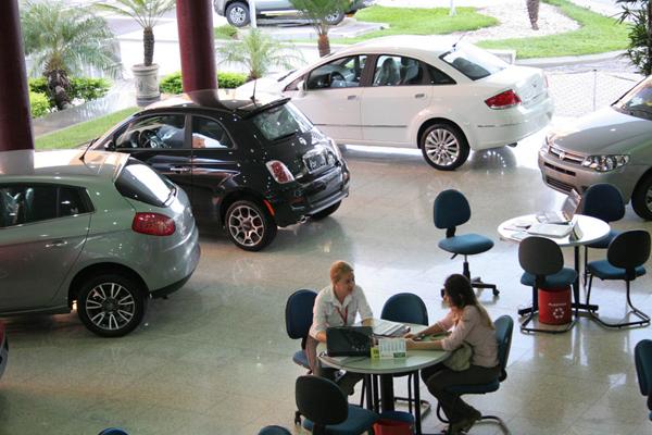 Expectativa do Governo e das montadoras é que pacote estimule a compra de automóveis novos