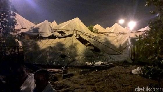 Tenda Jemaah Haji Indonesia roboh