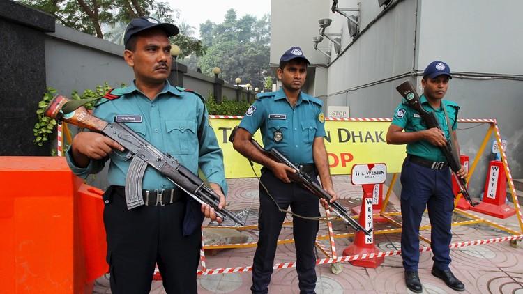 Polisi Bangladesh @Reuters