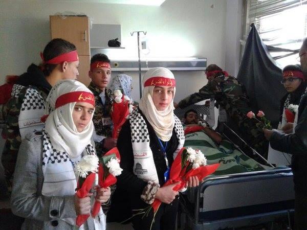 Dukung Pemerintah, Remaja Suriah Kunjungi Rumah Sakit Militer Dengan Karangan Bunga2