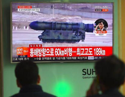 Korea_Utara_Pamerkan_Rudal_Balistik_Antarbenua