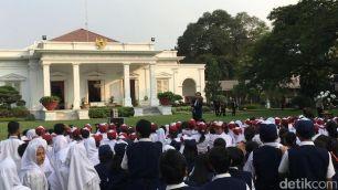 Jokowi_Dan_Siswa_01