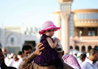 Salat_Idul_Fitri_di_Madinah_01