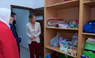 Asma Assad periksa kamar