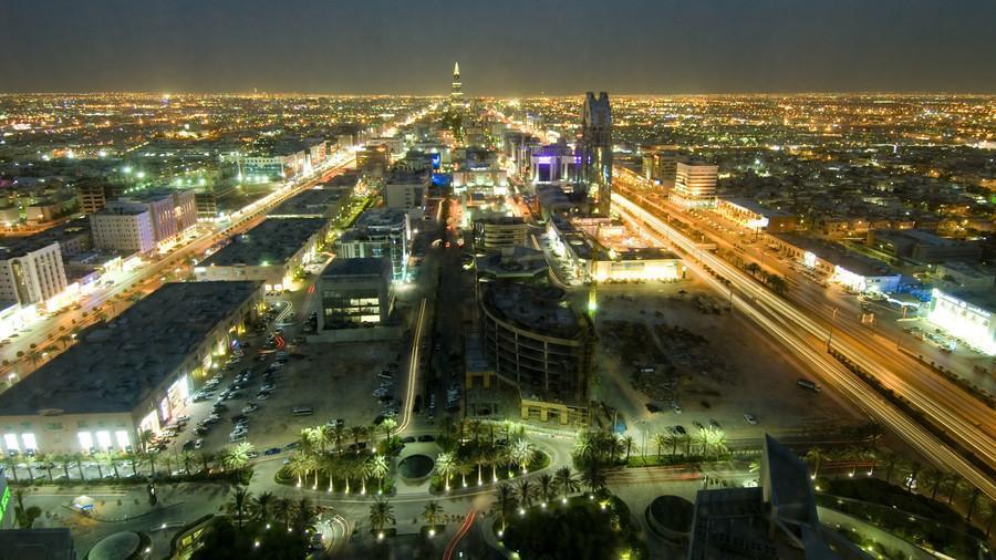 VIDEO: Tembakan dan Ledakan Guncang Istana Kerajaan Saudi