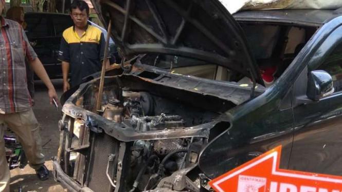 Mobil Xenia Neno Warisman Ternyata Korslet, Bukan Diledakkan