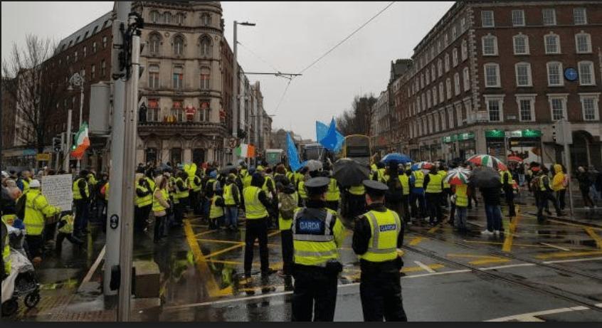 Demo Rompi Kuning Melebar ke Kanada Hingga Irlandia